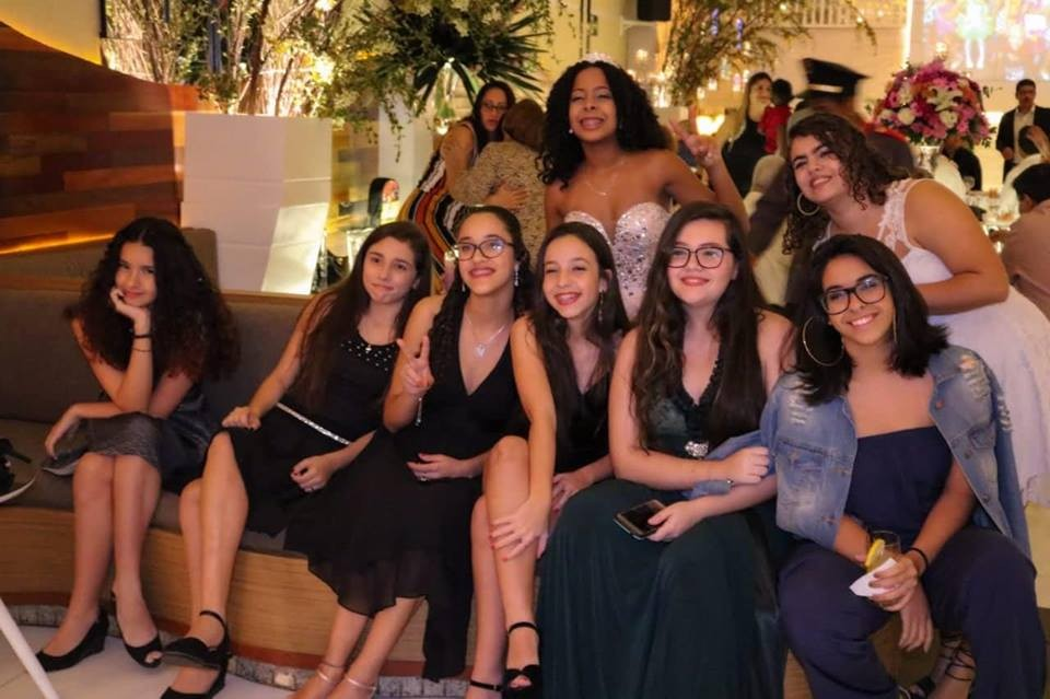 Jornal Vida Brasil Texas Gabi-2 A festa de 15 anos de Gabriela Lima. Foi  inesquecível. Destaques Social & Eventos