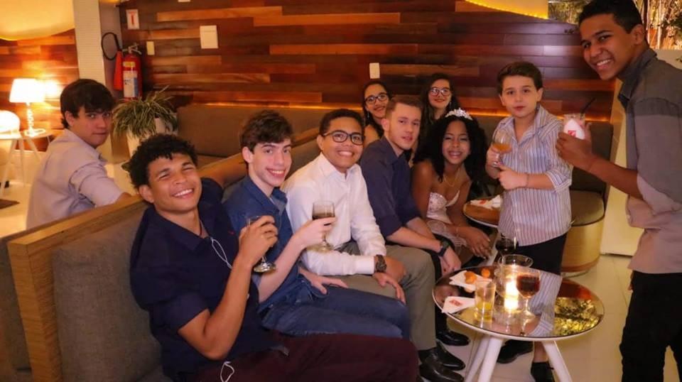 Jornal Vida Brasil Texas Gabi-9 A festa de 15 anos de Gabriela Lima. Foi  inesquecível. Destaques Social & Eventos