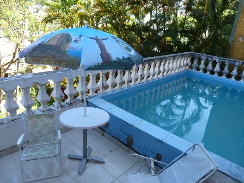Jornal Vida Brasil Texas VIVI Business - Casa triplex no Humaitá  á venda, está a cinco minutos a pé, da Lagoa Rodrigo de Freitas na zona sul do Rio De Janeiro Destaques News