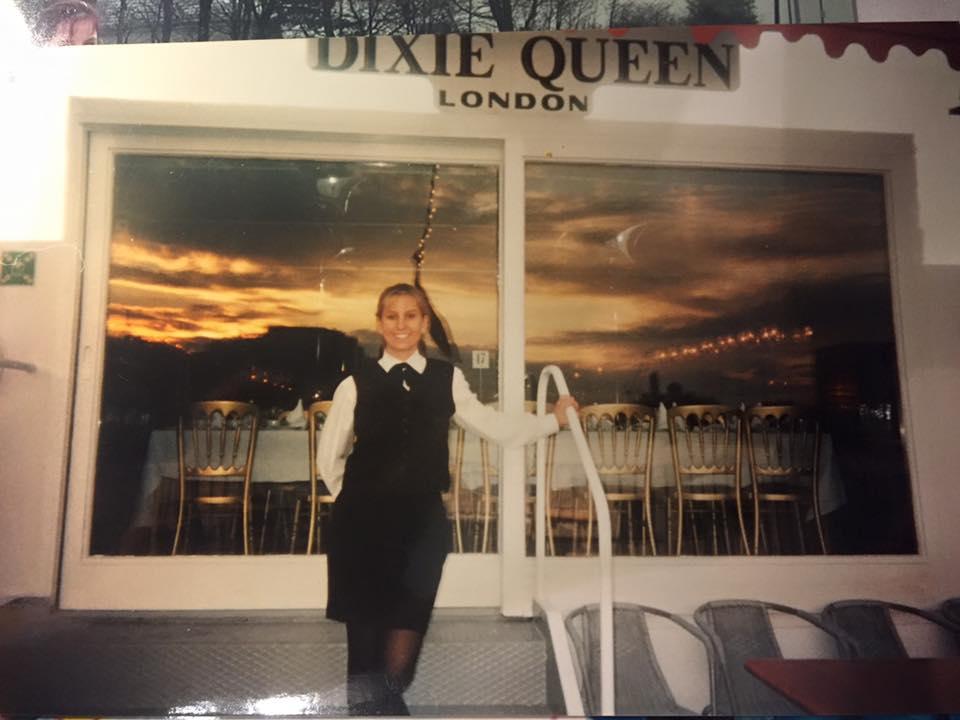 Jornal Vida Brasil Texas Bianca-trabalhando-Londres VIP – Bianca Domingues Clark, mãe, policial, mulher guerreira, orgulho da comunidade brasileira no Texas Destaques Social & Eventos