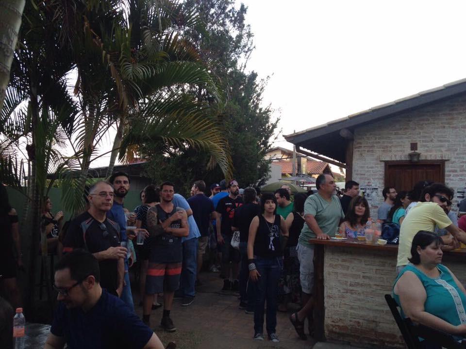 Jornal Vida Brasil Texas mafiosa-quintal MAFIOSA CERVEJARIA , Valinhos, SP, lugar perfeito para quem gosta de saborear uma cerveja artesanal de alto nível. Arte & Cultura Destaques