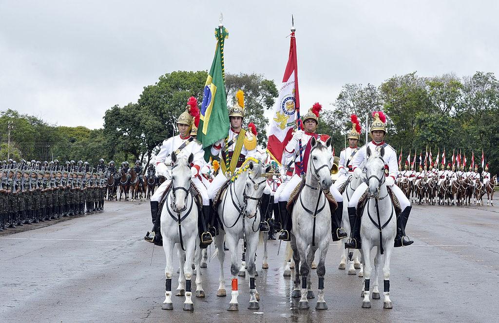 Jornal Vida Brasil Texas Cavalaria-1 Crônica - Excesso de Contingente Arte & Cultura Destaques