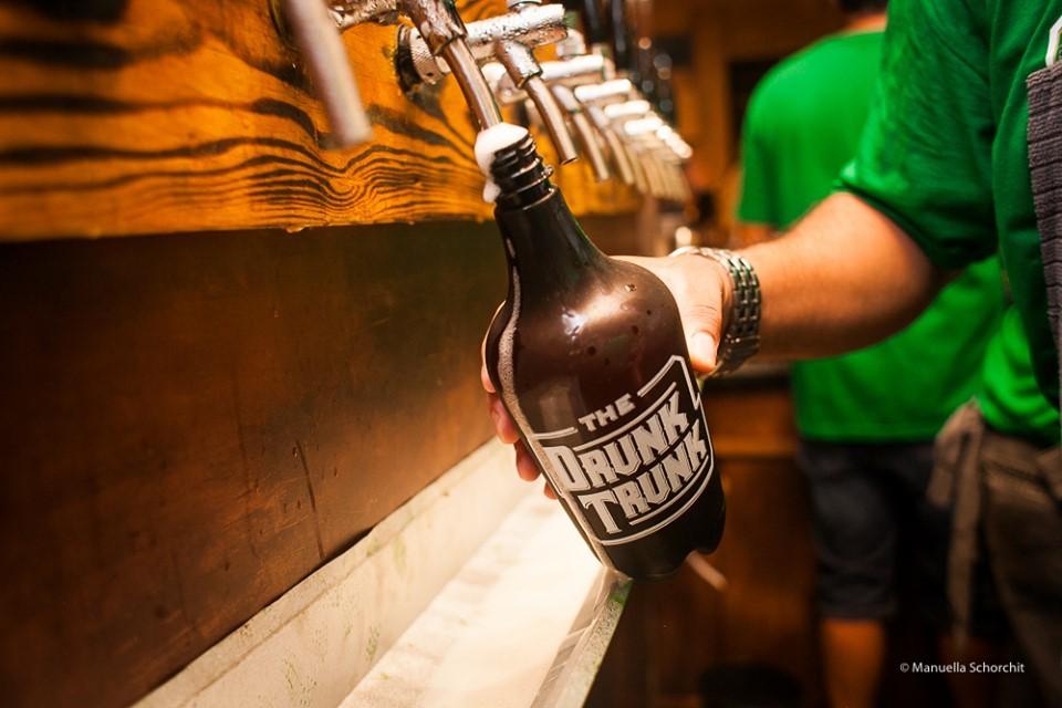 Jornal Vida Brasil Texas Cerveja-preta Business of the month - The Drunk Trunk -  No centro do Rio de Janeiro Destaques News