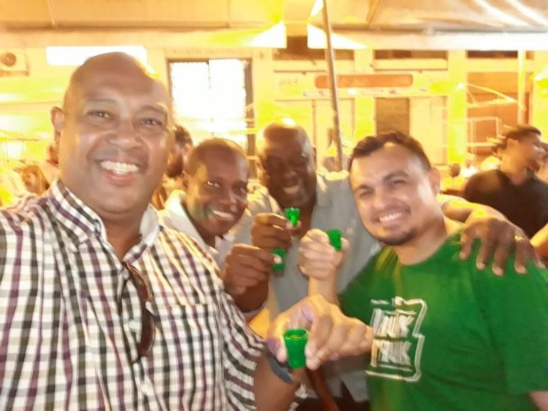 Jornal Vida Brasil Texas HOMERO-1 Business of the month - The Drunk Trunk -  No centro do Rio de Janeiro Destaques News