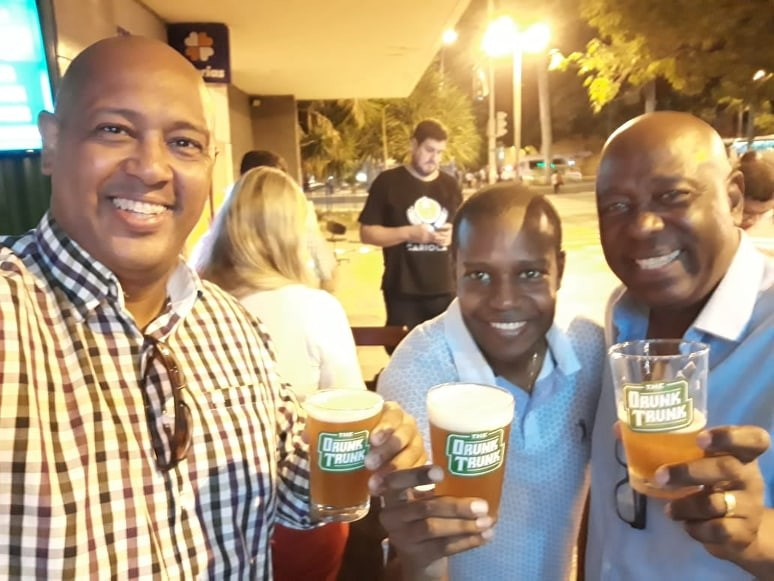 Jornal Vida Brasil Texas Homero-3 Business of the month - The Drunk Trunk -  No centro do Rio de Janeiro Destaques News