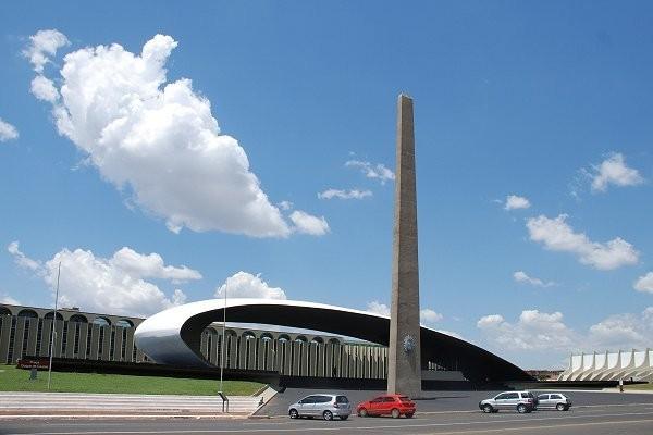 Jornal Vida Brasil Texas Quartel-Geral-Brasilia Crônica - Excesso de Contingente Arte & Cultura Destaques