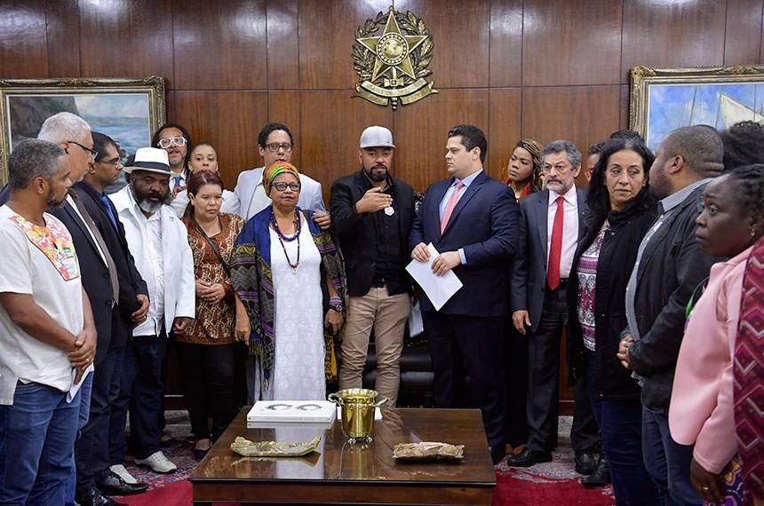 Jornal Vida Brasil Texas Escravos-6 Crônica - Assassinatos e População Negra Arte & Cultura Destaques