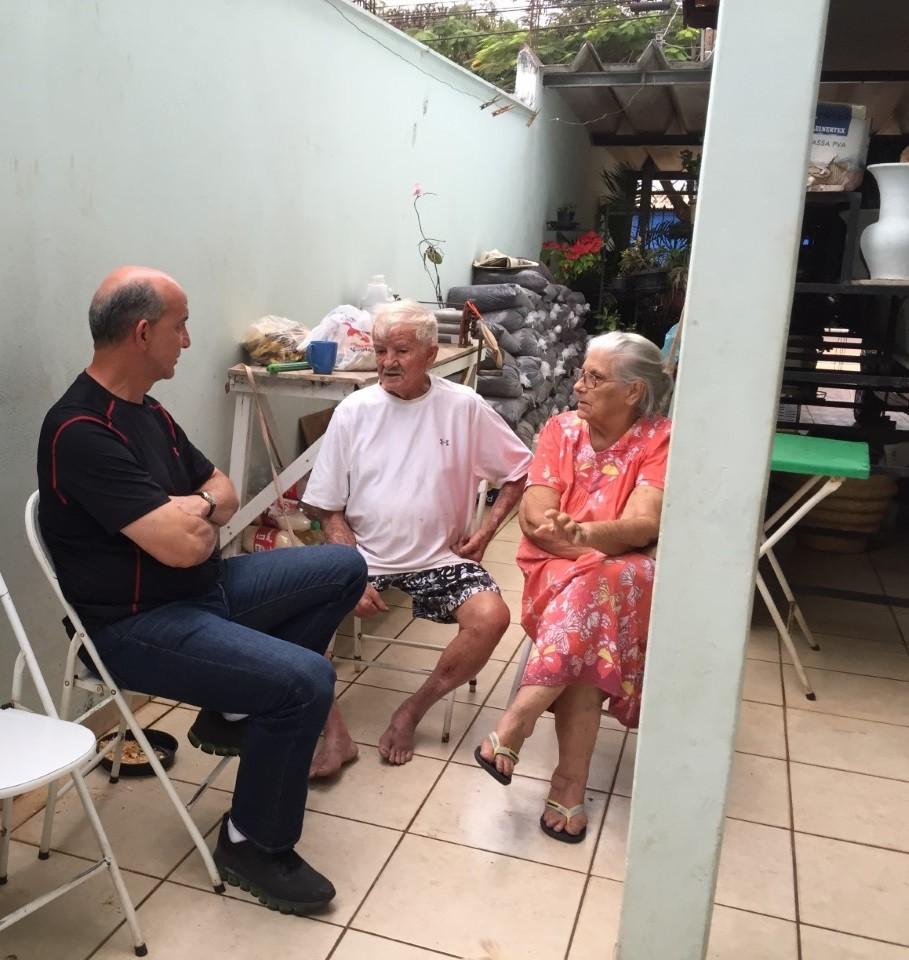 Jornal Vida Brasil Texas Valter-e-os-pais-2 Crônica - Homem de Preto Crônicas Destaques
