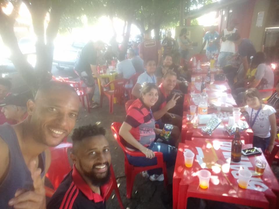 Jornal Vida Brasil Texas Vitao-festa-1 Futebol amador no interior de SP -  O Urano é tetra-campeão da Copa Zona Sul 2019 em Bady Bassitt - O capitão Vitão Lima levantou a Taça Destaques News