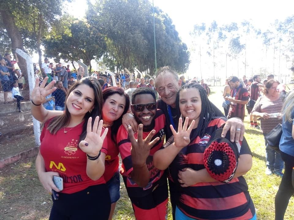 Jornal Vida Brasil Texas familia-Uran Futebol amador no interior de SP -  O Urano é tetra-campeão da Copa Zona Sul 2019 em Bady Bassitt - O capitão Vitão Lima levantou a Taça Destaques News