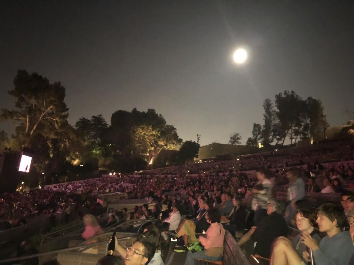 Jornal Vida Brasil Texas Cali-1 Social - Ivan Lins, espetacular show no Hollywood Bowl, na Califórnia. Destaques News