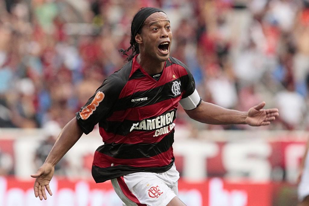 Jornal Vida Brasil Texas Ronaldinho-Fla Ronaldinho Gaúcho, Gênio, Mágico, Mestre espetacular da bola, falou conosco em Houston, Texas - Emoção de uma criança Destaques News