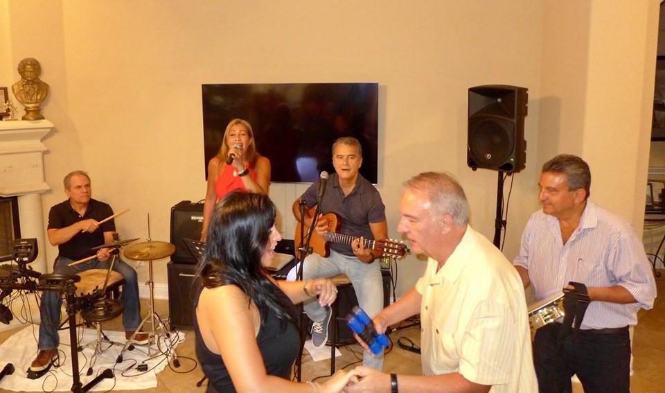 Jornal Vida Brasil Texas ariel-danca Ariel Seleme, Vice-cônsul do Brasil em Honduras e escritor, é recepcionado pelos seus grandes amigos  de Houston, Texas. Destaques Social & Eventos