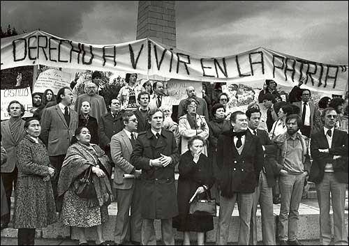 Jornal Vida Brasil Texas Protestas_Chile_1985 Crônica - Gracias a Pinotcho viendo super ocho. Destaques News