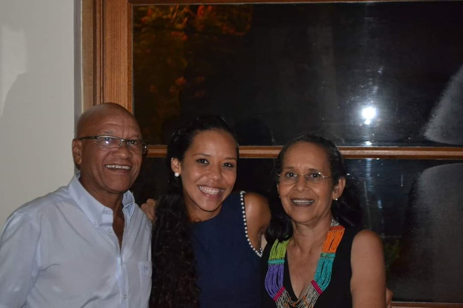 Jornal Vida Brasil Texas Lu-filha-Sarao Personality of the month - Luciana Dornelles Ramos, mulher negra, guerreira e vencedora. Um belíssimo exemplo para todos. Arte & Cultura Destaques